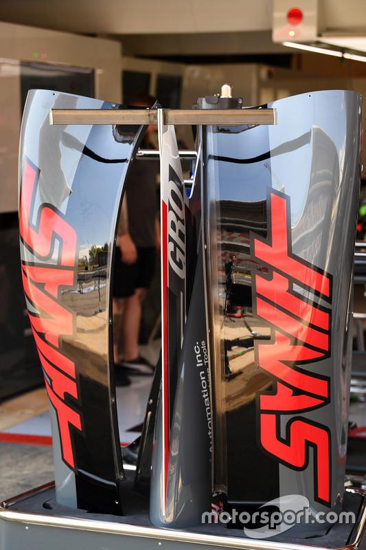 Haas VF-17 bodywork