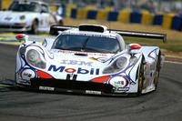 Allan McNish, Laurent Aiello, Stéphane Ortelli, Porsche 911 GT1-98
