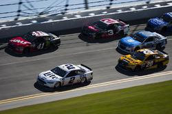 Brad Keselowski, Team Penske, Ford; Kurt Busch, Stewart-Haas Racing, Ford