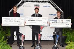 USF2000-kampioen Oliver Askew, Indy Lights-kampioen Kyle Kaiser, Pro Mazda-kampioen Victor Franzoni