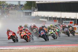 Départ : Jorge Lorenzo, Ducati Team, Marc Marquez, Repsol Honda Team mènent
