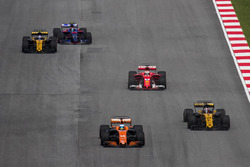 Fernando Alonso, McLaren MCL32, Nico Hulkenberg, Renault Sport F1 Team RS17, Sebastian Vettel, Ferrari SF70H, Jolyon Palmer, Renault Sport F1 Team RS17, Carlos Sainz Jr., Scuderia Toro Rosso STR12