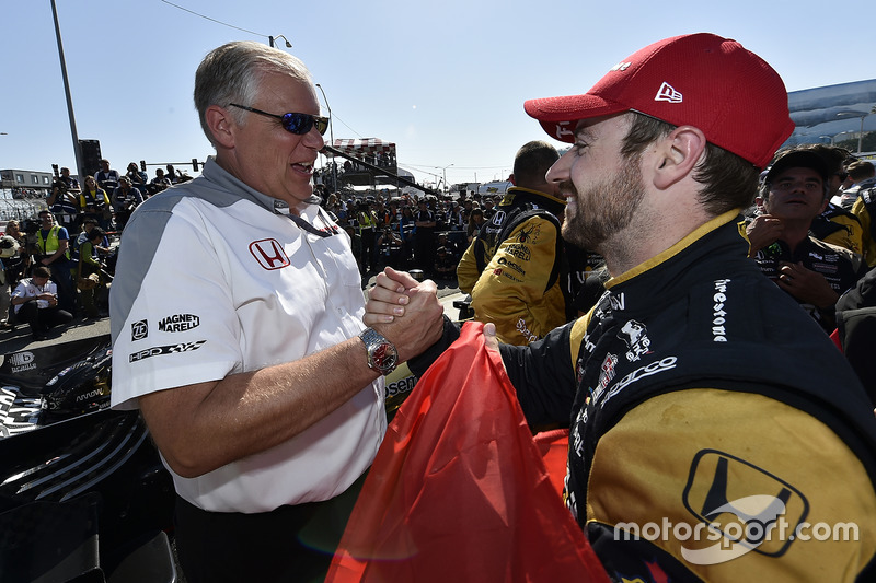 1. James Hinchcliffe, Schmidt Peterson Motorsports, Honda, mit Art St Cyr, Honda