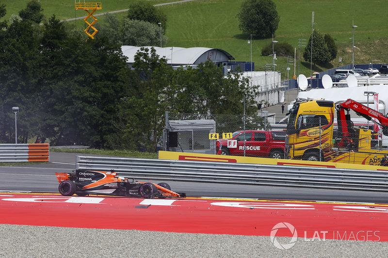 Kollision: Fernando Alonso, McLaren MCL32