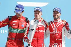 Lucas di Grassi, ABT Schaeffler Audi Sport, Felix Rosenqvist, Mahindra Racing, y Nick Heidfeld, Mahindra Racing, en el podio