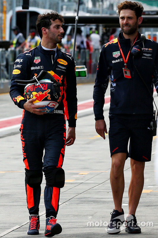 Daniel Ricciardo, Red Bull Racing con Sam Village, Red Bull Racing
