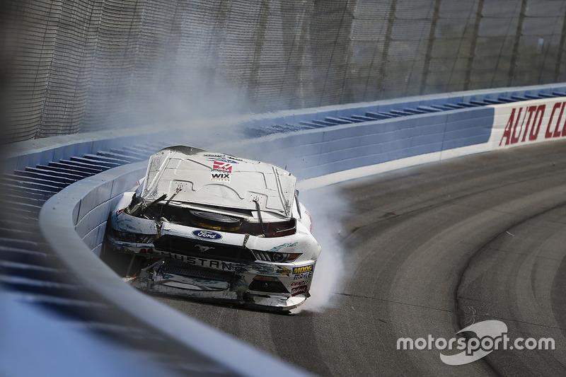 Crash: Cole Custer, Stewart-Haas Racing, Ford