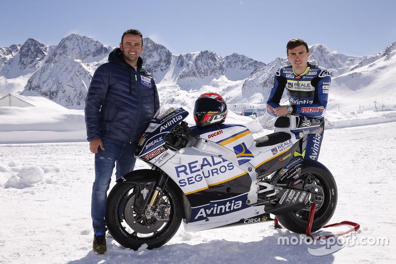 Hector Barbera y Loris Baz en la presentación del Avintia Racing MotoGP
