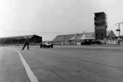 Race winner Peter Collins, Ferrari
