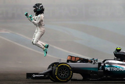 Second placed Nico Rosberg, Mercedes AMG F1 W07 Hybrid celebrates his World Championship at the end