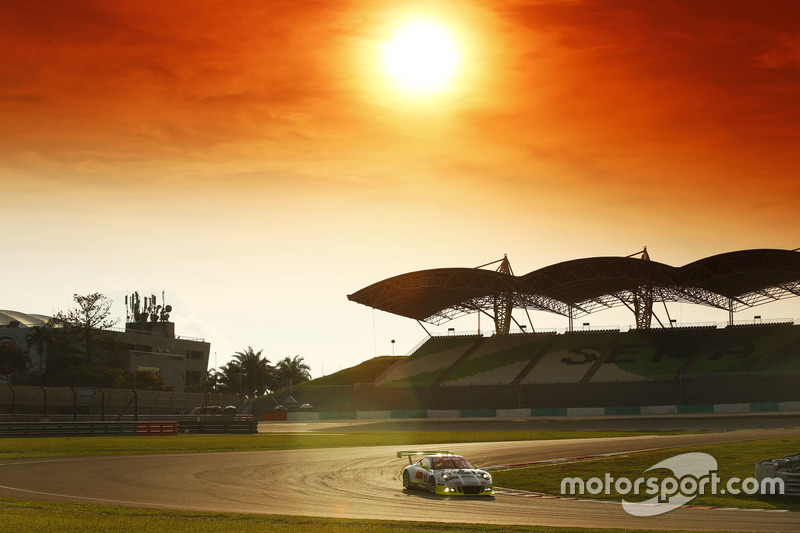 #911 Manthey Racing, Porsche 911 GT3R: Earl Bamber, Nick Tandy, Patrick Pilet