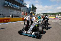 Lewis Hamilton, Mercedes AMG F1 Team W07 op de grid