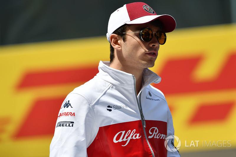 Charles Leclerc, Sauber, nella drivers parade