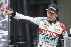 Podium: Race winner Tom Coronel, Boutsen Ginion Racing Honda Civic Type R TCR