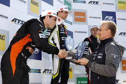 Podium novatos: Joey Mawson, Van Amersfoort Racing, Dallara F317 - Mercedes-Benz