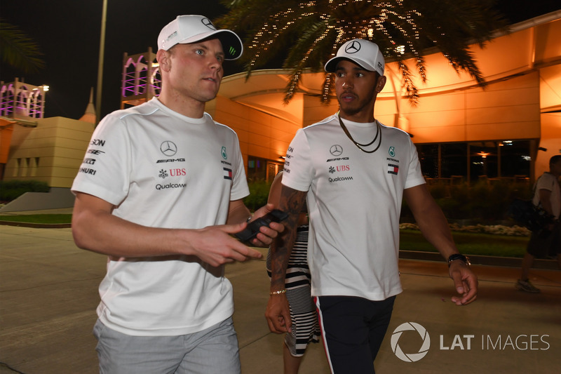Valtteri Bottas, Mercedes-AMG F1 and Lewis Hamilton, Mercedes-AMG F1