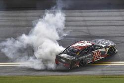 Erik Jones, Joe Gibbs Racing, Toyota Camry buyatoyota.com, does a burnout after winning