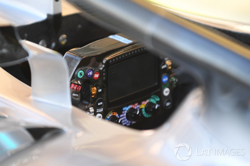 Mercedes-AMG F1 W09 steering wheel