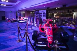 Formula 2 y McLaren Honda en el piso