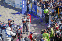 Podyum: Yarış galibi Sébastien Ogier, M-Sport Ford WRT, Kris Meeke, Citroën World Rally Team, Dani Sordo, Hyundai Motorsport