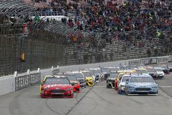 Kevin Harvick, Stewart-Haas Racing, Ford Fusion Busch Light green flag start