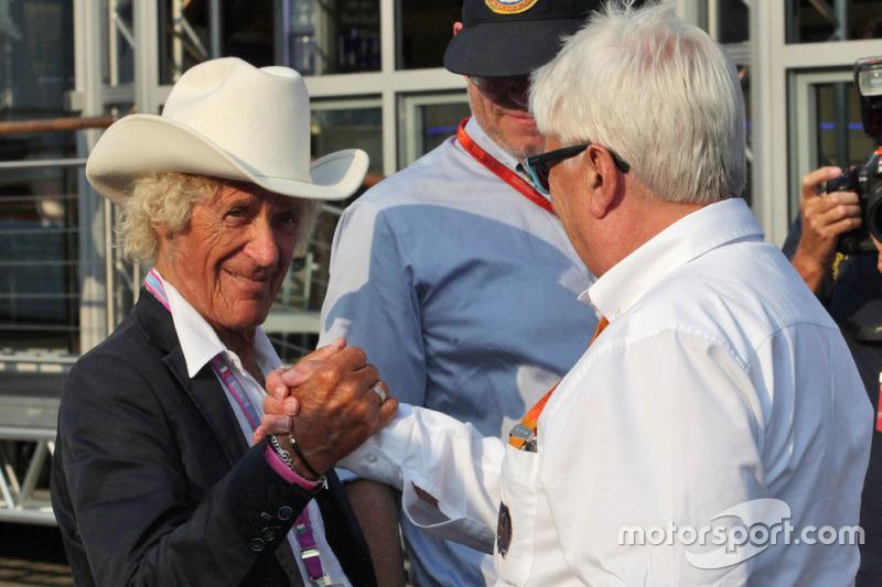 (Da sx a dx): Arturo Merzario con Herbie Blash, Delegato FIA