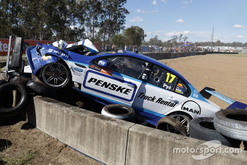 Scott Pye, DJR Team Penske crash
