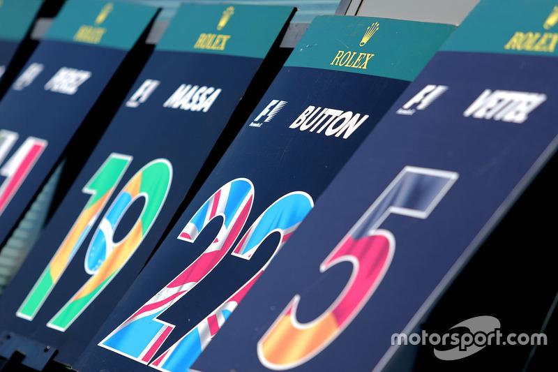 Jenson Button, McLaren, Schilder Startaufstellung