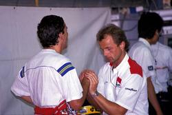 Ayrton Senna, McLaren, mit Josef Leberer, Physiotherapeut