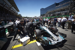 The Mercedes team prepare the car of Valtteri Bottas, Mercedes AMG F1 W08