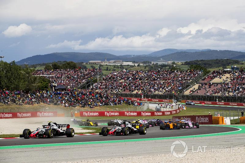 Кевин Магнуссен и Ромен Грожан, Haas F1 Team VF-18, Карлос Сайнс, Renault Sport F1 Team RS18, и Фернандо Алонсо, McLaren MCL33