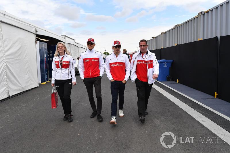 Ruth Buscombe, Sauber Race Strategist, Marcus Ericsson, Sauber and Charles Leclerc, Sauber