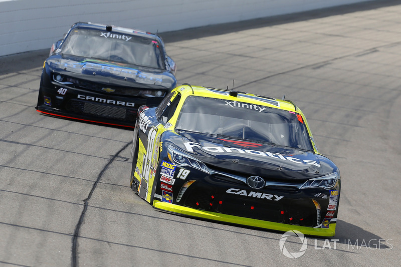 Matt Tifft, Joe Gibbs Racing Toyota and Timmy Hill, Chevrolet Camaro