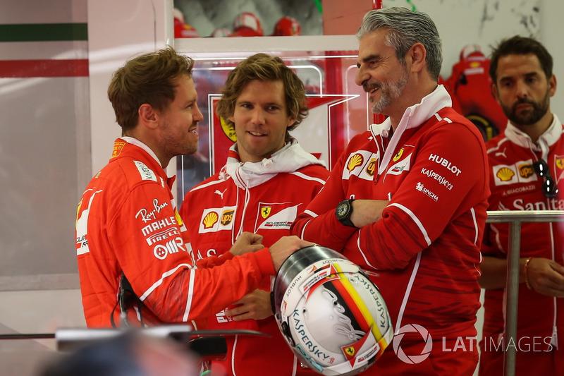Себастьян Феттель, Ferrari, тренер Антті Котсас, керівник команди Ferrari Мауріціо Аррівабене