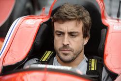 Фернандо Алонсо за рулем автомобиля Марко Андретти
