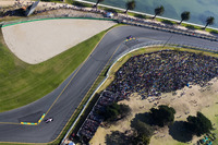 Sergio Perez, Force India VJM10, precede Daniil Kvyat, Scuderia Toro Rosso STR12
