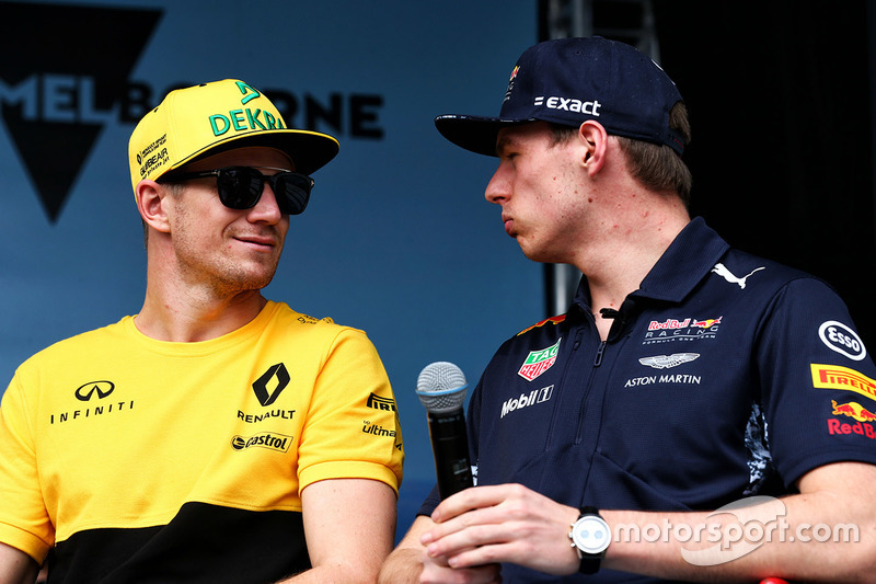 Nico Hülkenberg, Renault Sport F1 Team; Max Verstappen, Red Bull Racing