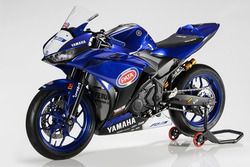 Мотоцикл Yamaha YZF-R3 учасників програми R3 bLU cRU