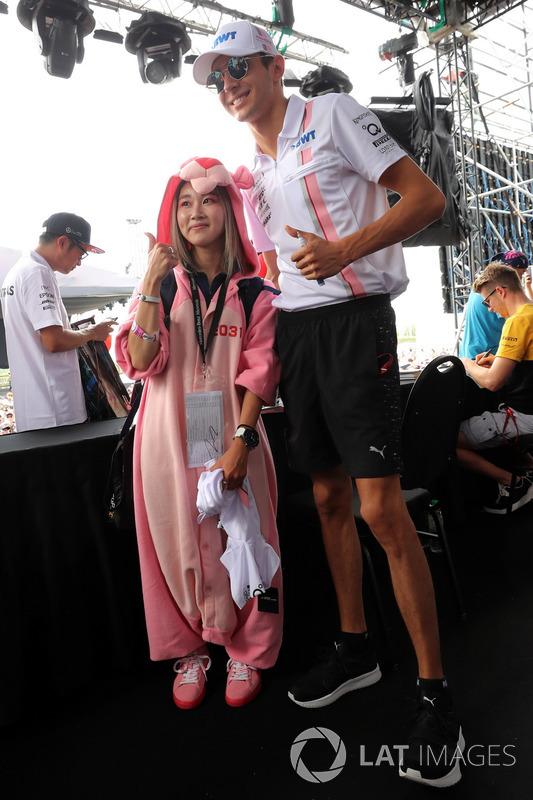 Уболівальниця, Естебан Окон, Sahara Force India F1