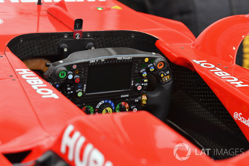 Ferrari SF70H, Lenkrad, Detail