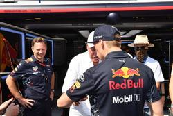 Руководитель Red Bull Racing Кристиан Хорнер, гонщик команды Макс Ферстаппен и глава TAG Heuer Жан-Клод Бивер