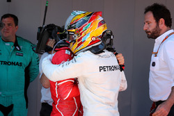 Race winner Lewis Hamilton, Mercedes AMG F1, Sebastian Vettel, Ferrari