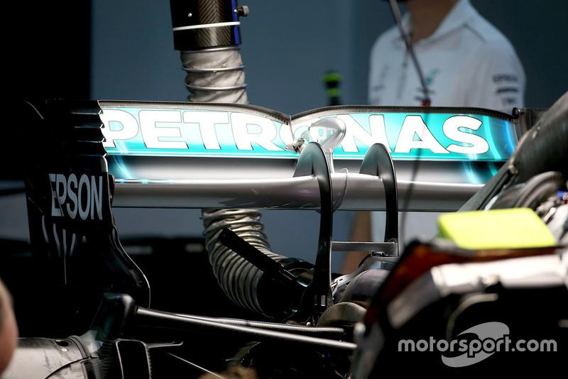 Mercedes AMG F1 W09 alerón trasero