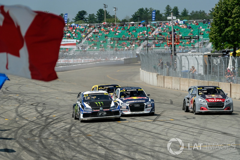 Johan Kristoffersson, PSRX Volkswagen Sweden leads at the start