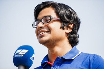 Arjun Maini, Trident