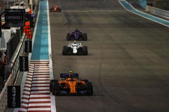 Стоффель Вандорн, McLaren MCL33, Сергій Сироткін, Williams FW41, Брендон Хартлі, Toro Rosso STR13