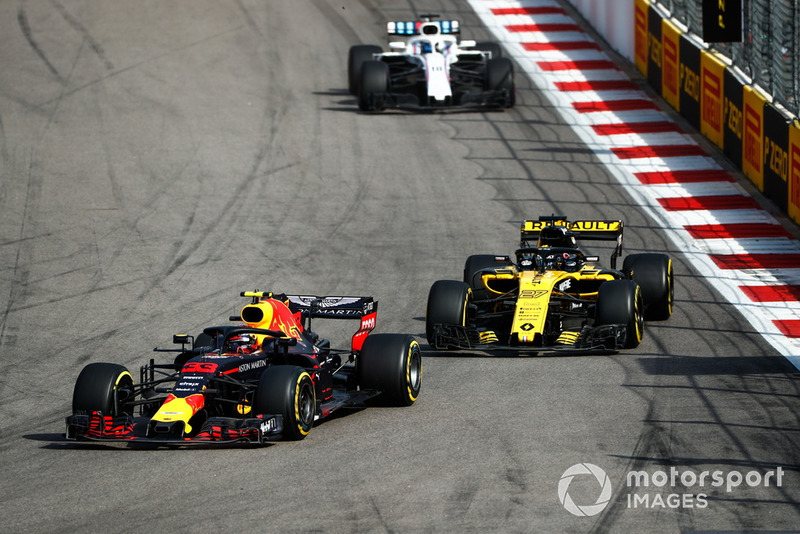Max Verstappen, Red Bull Racing RB14, Nico Hulkenberg, Renault Sport F1 Team R.S. 18, y Lance Stroll, Williams FW41