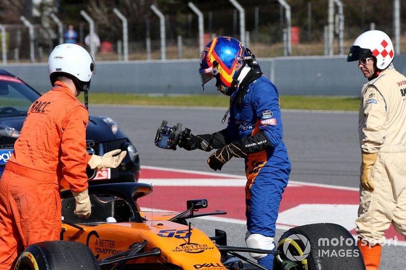 Carlos Sainz Jr., McLaren MCL34 se frena en la pista