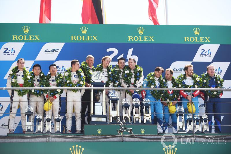 Podium: 1. Timo Bernhard, Earl Bamber, Brendon Hartley, Porsche Team, 2. Ho-Pin Tung, Oliver Jarvis,