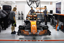 The car of Stoffel Vandoorne, McLaren MCL32, waits in the garage